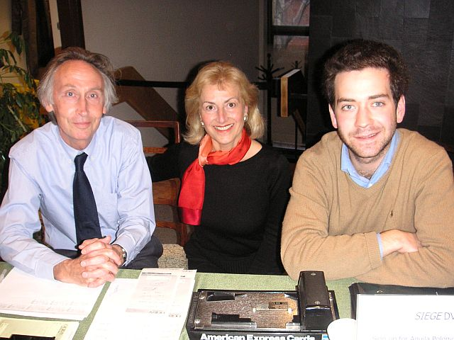 Aquila Polonica Publisher Terry Tegnazian (center) with Nicholas Hoare Booksellers at Montreal event.